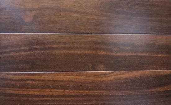 ván sàn gỗ tự nhiên chiu liu